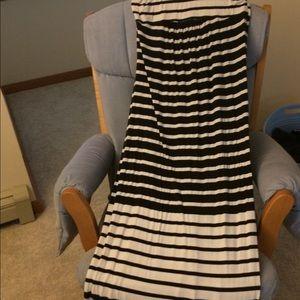 Old navy maternity maxi tube dress medium